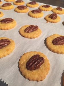 cheese wafers spicy pecan crackers